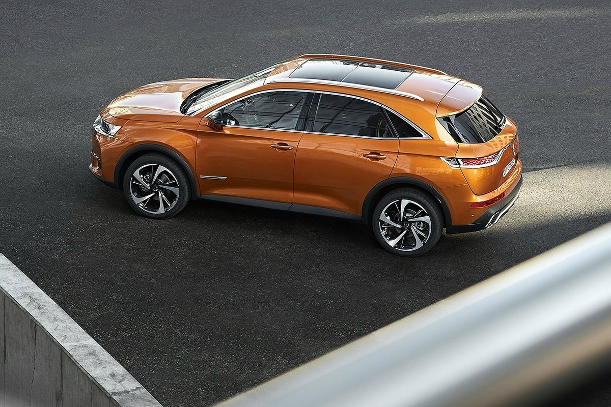 DS 7 Crossback vista lateral